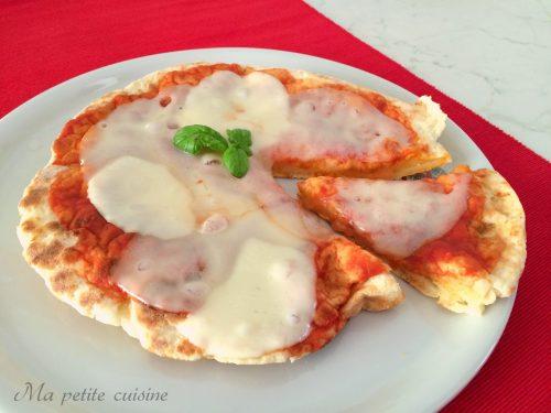 Pizza allo yogurt cotta in padella