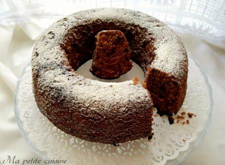 Ciambella al cacao e gocce di cioccolato