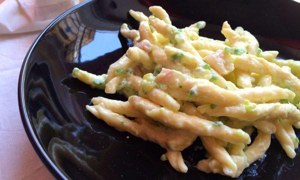 Strozzapreti Philadelphia zucchine e pancetta