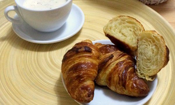 Croissants francesi sfogliati video ricetta facile