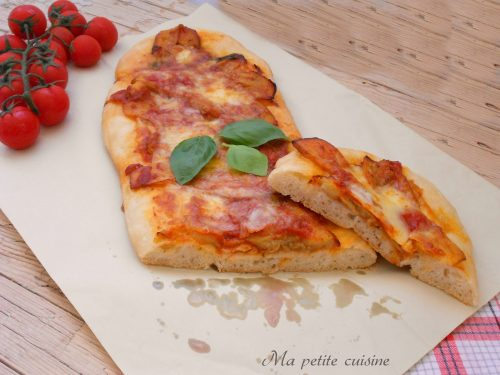 Schiacciata farcita con melanzane alla pizzaiola