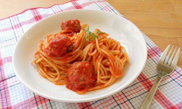 Spaghetti con le polpette video ricetta