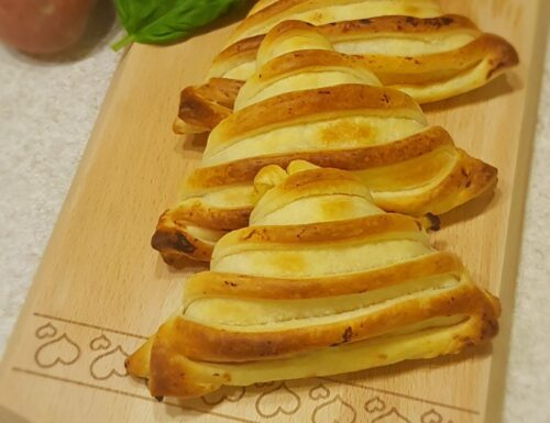 Sfogliatelle patate e salame piccante