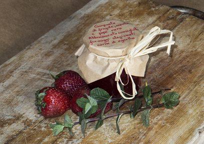 Confettura di fragole, menta e pepe nero