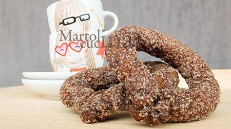 Torcetti al cacao, ricetta biscotti facili