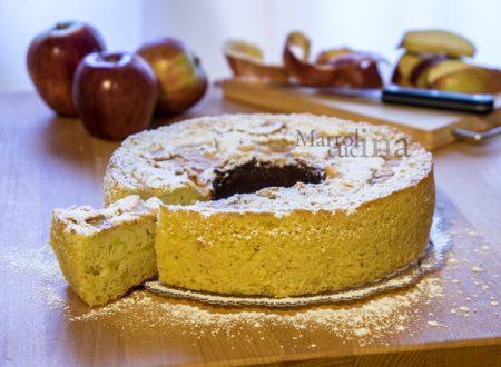 Torta di mele alla ricotta senza burro e olio (versione tradizionale e nel Versilia)