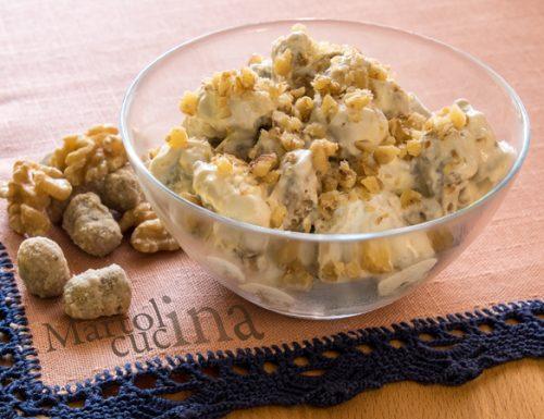 Gnocchi di castagne facilissimi con fonduta di formaggi e noci