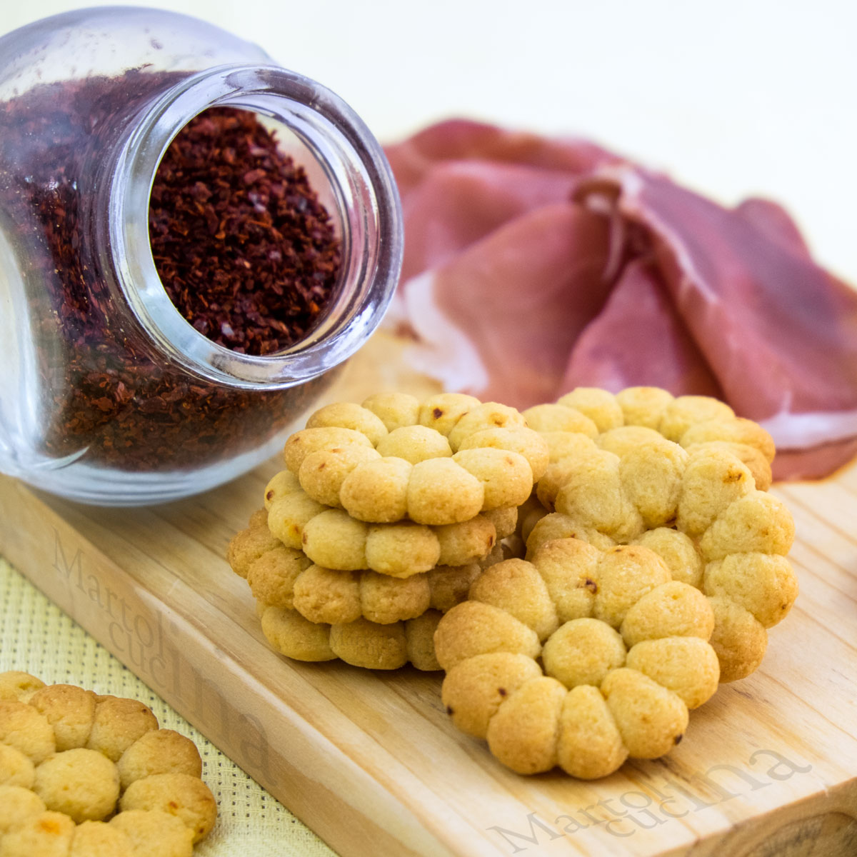 Biscotti-salati-peperoncino-B-1200x1200