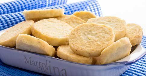 Biscotti salati con la maionese