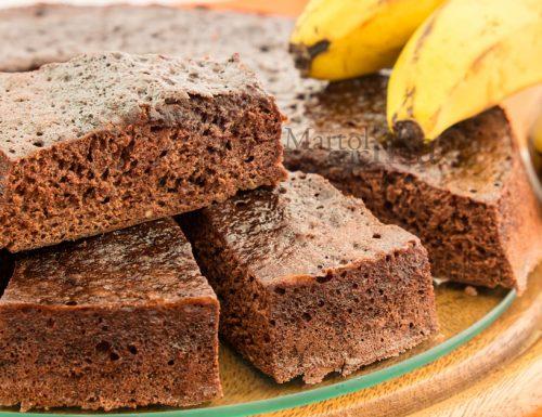 Torta allo yogurt, banane e cacao