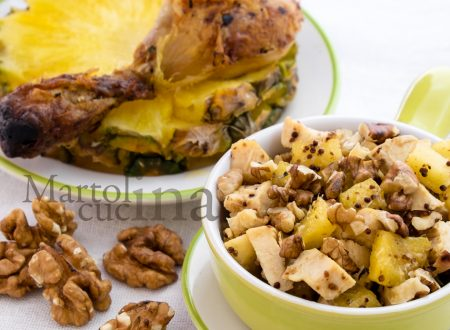 Insalata di pollo light con ananas e noci
