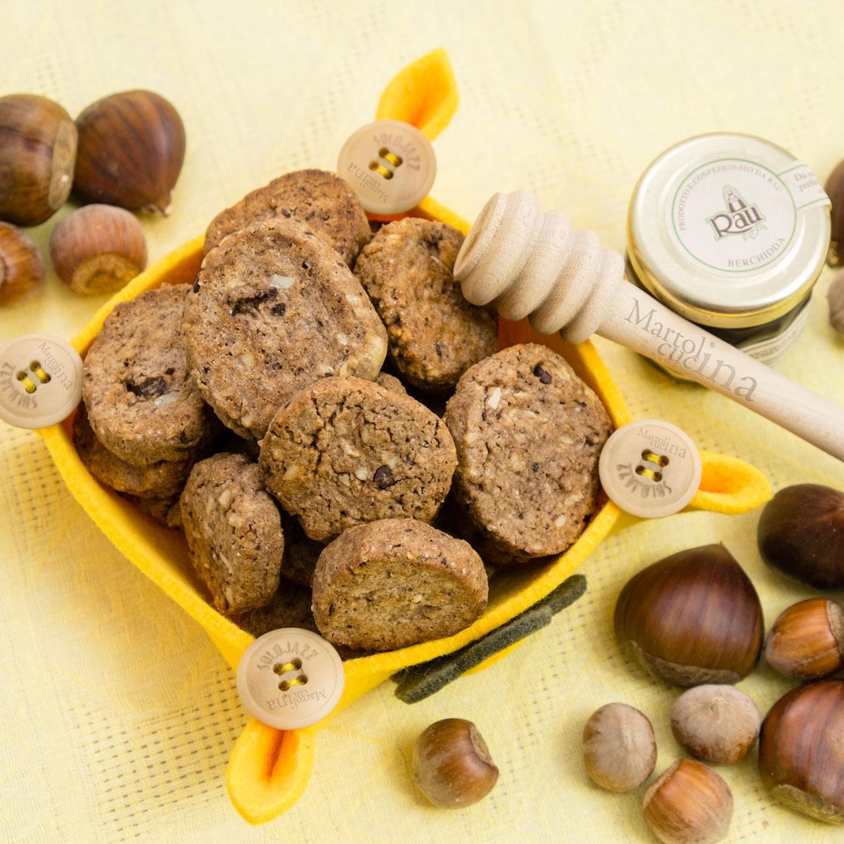 Biscotti-cioccolato-castagne-con-esubero-di-lievito-madre-A-1200x1200