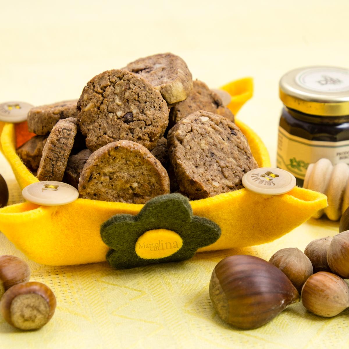 Biscotti-cioccolato-castagne-con-esubero-di-lievito-madre-B-1200x1200