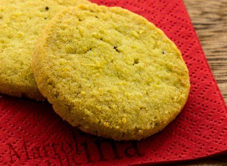 Biscotti di mais, miele e nocciole
