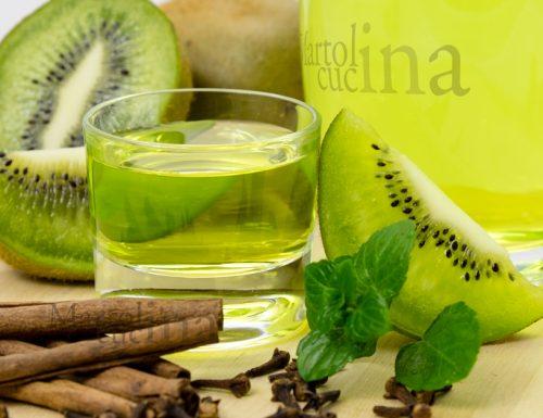 Liquore al kiwi, ricetta facile, idea regalo