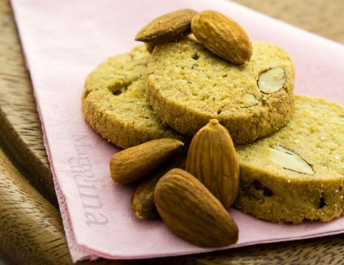 Biscotti vanigliati alle mandorle
