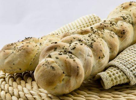 Pane di patate alle erbe