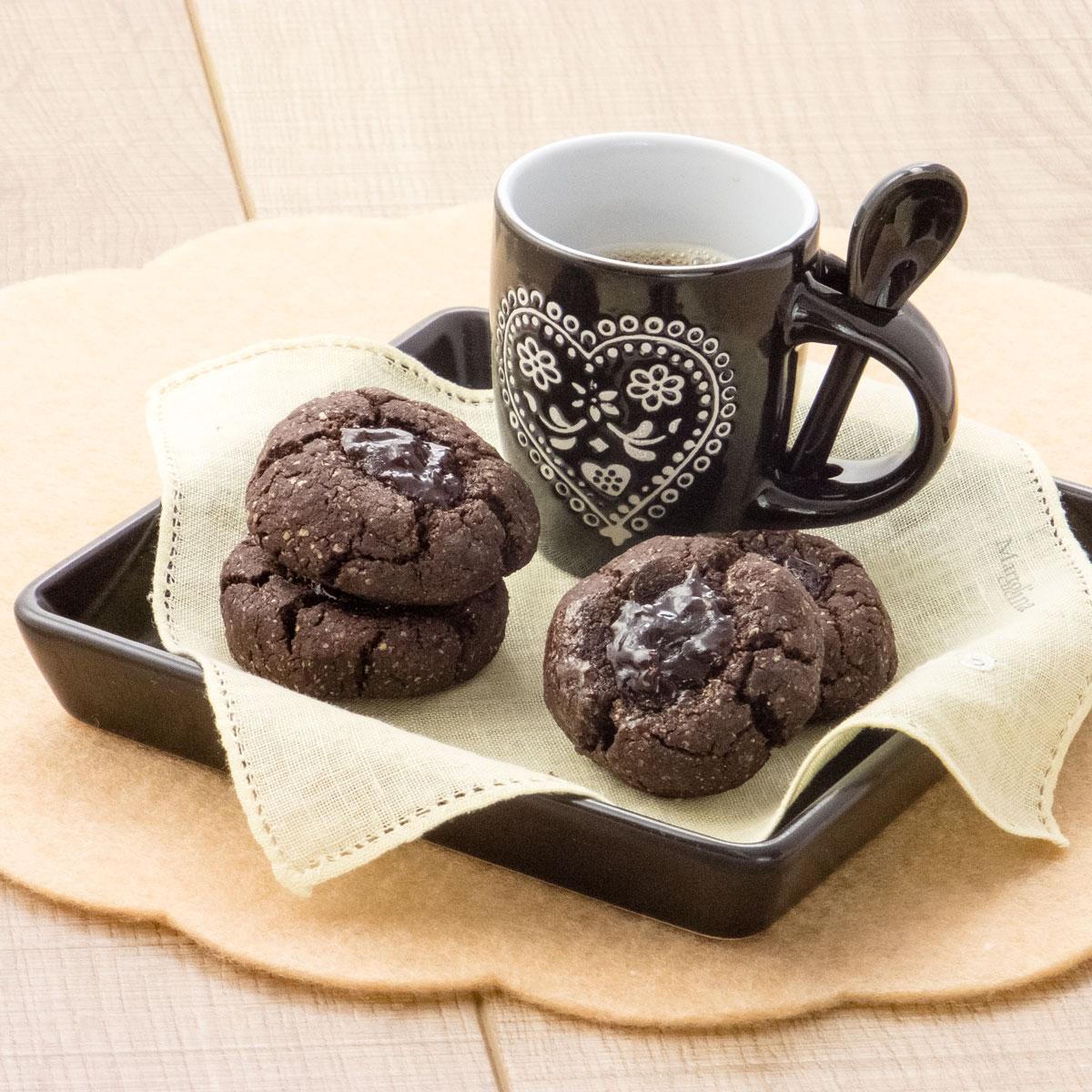 Biscotti-al-cacao-e-confettura-senza-burro-B1200x1200