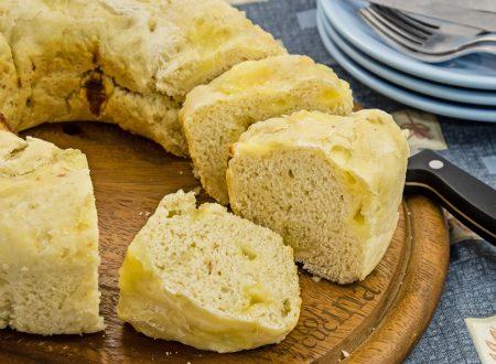 Focaccia al formaggio con lievito madre