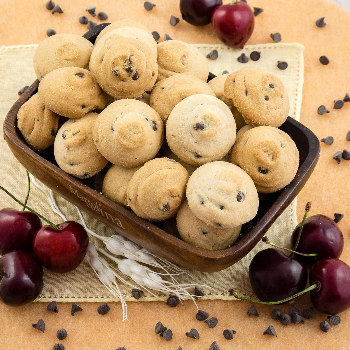 Biscotti ciliegie e cioccolato