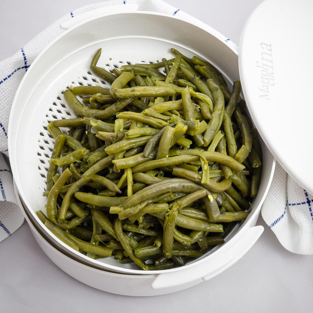 Come cuocere i fagiolini a vapore in microonde