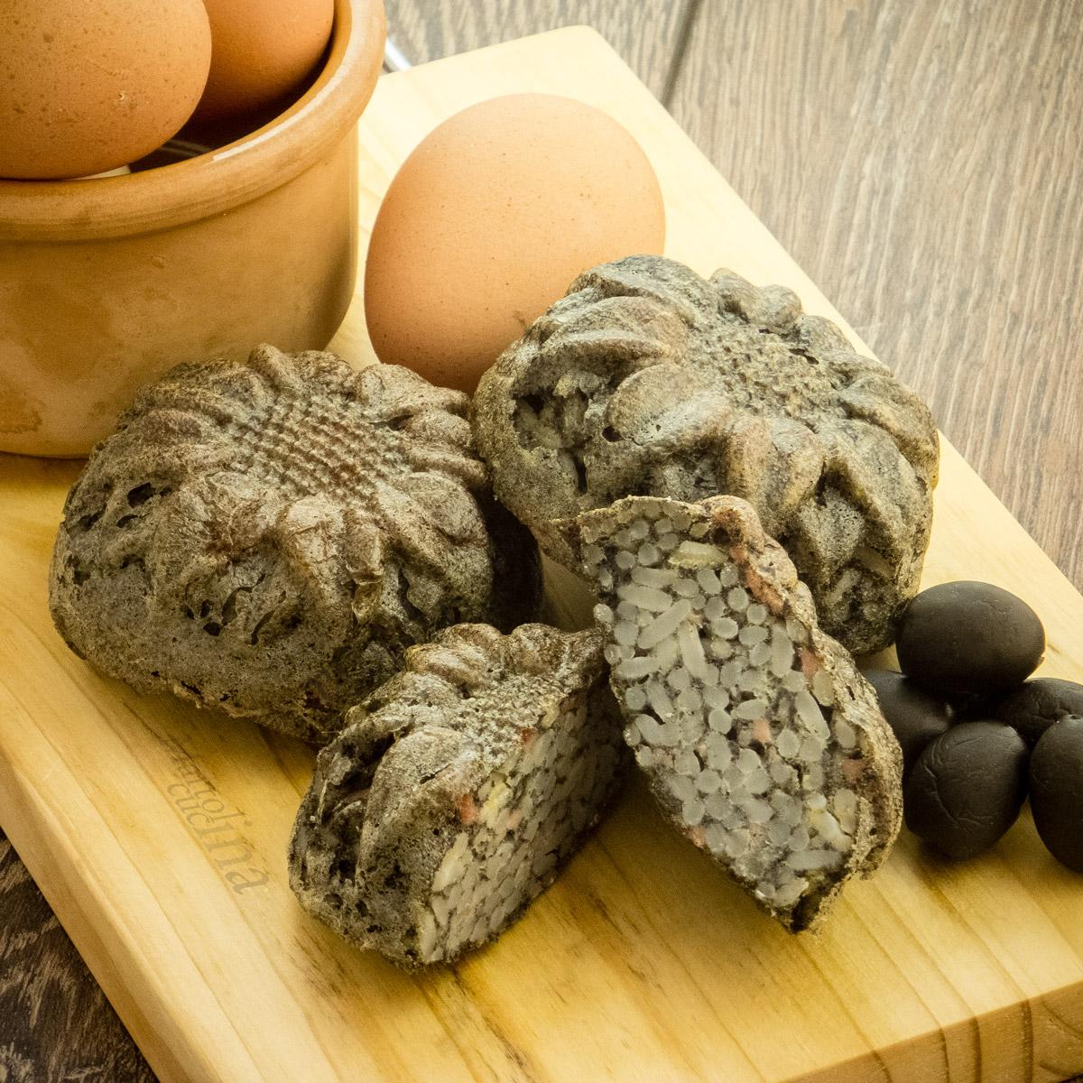 Muffin di frittata con riso e pate di olive