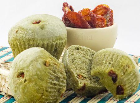 Muffin di pane pesto e pomodorini secchi