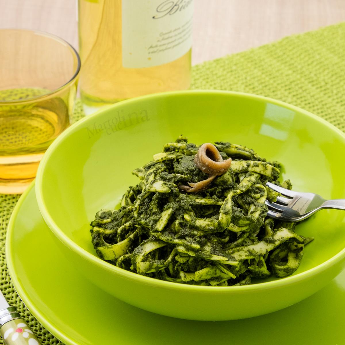 Tagliatelle con salsa di spinaci