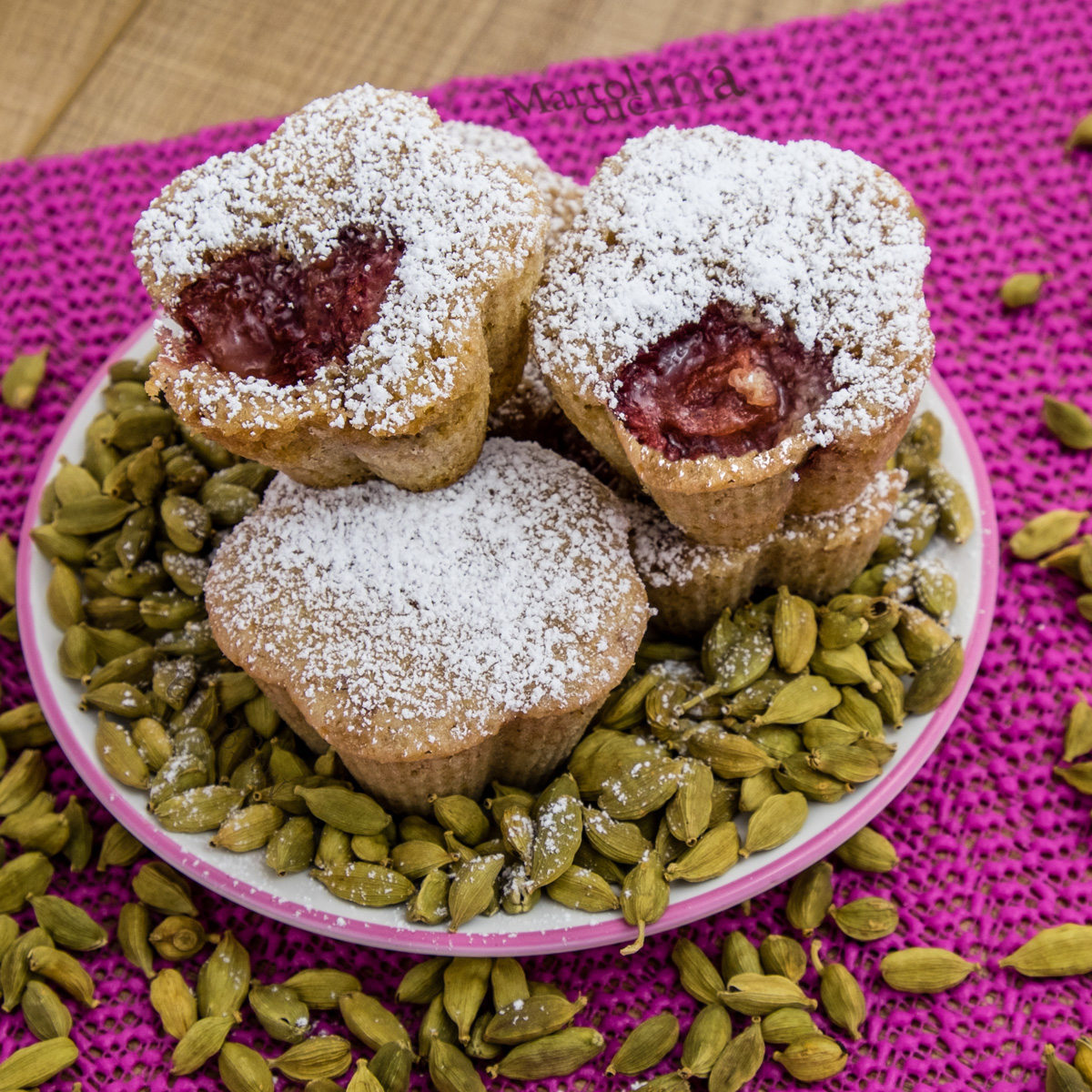 Muffin fragole e cardamomo senza burro e uova