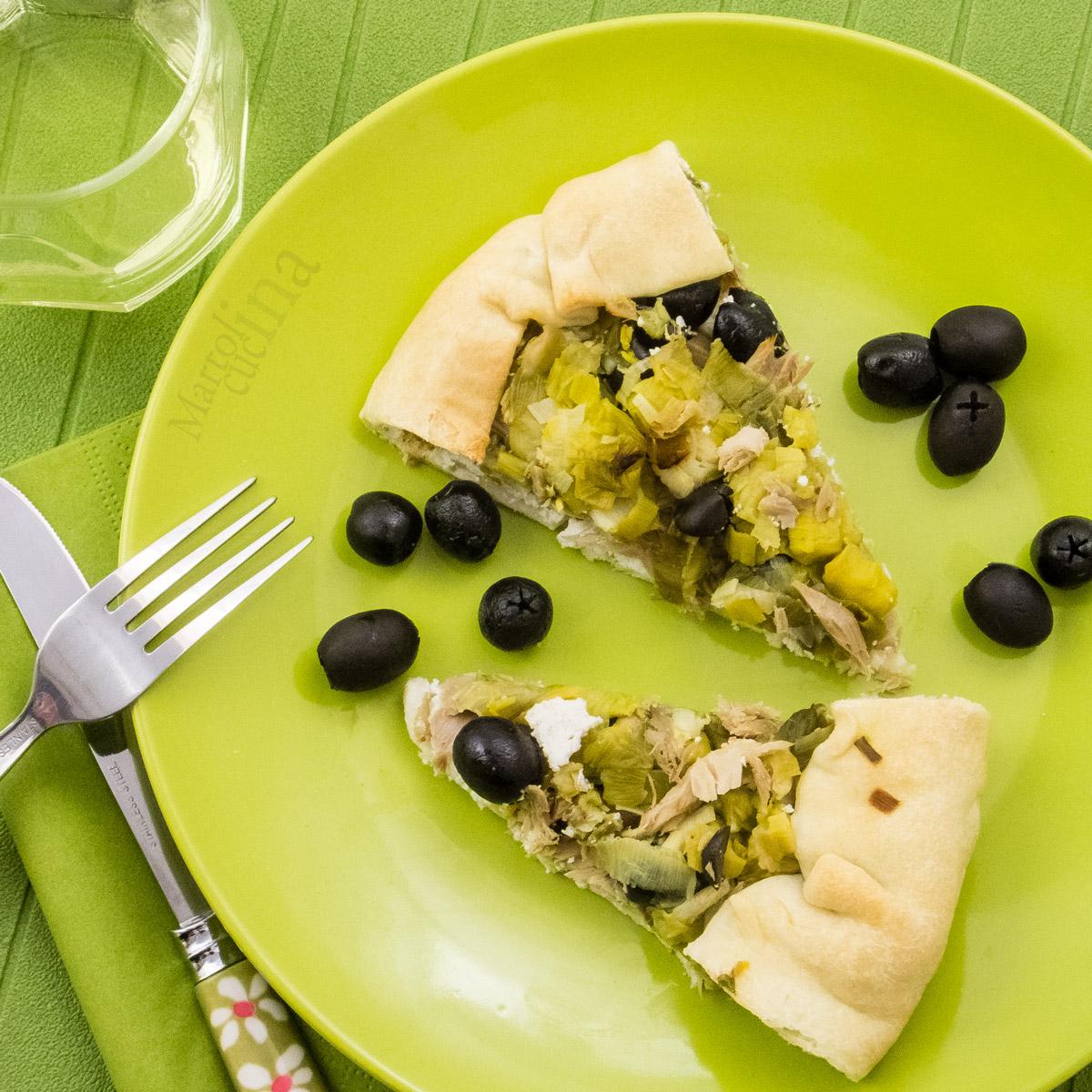 Torta salata porri tonno e olive