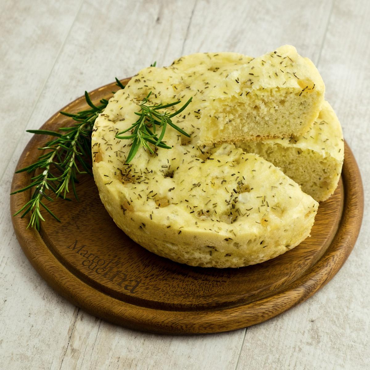 Pane al lardo e rosmarino