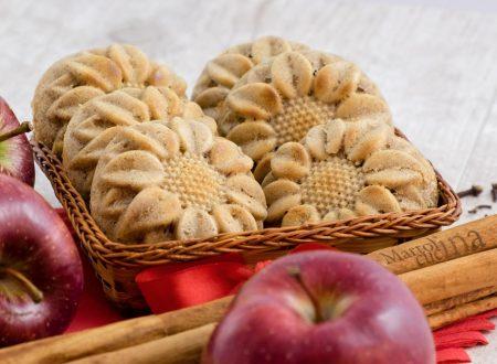 Muffin integrali con mela grattugiata e spezie