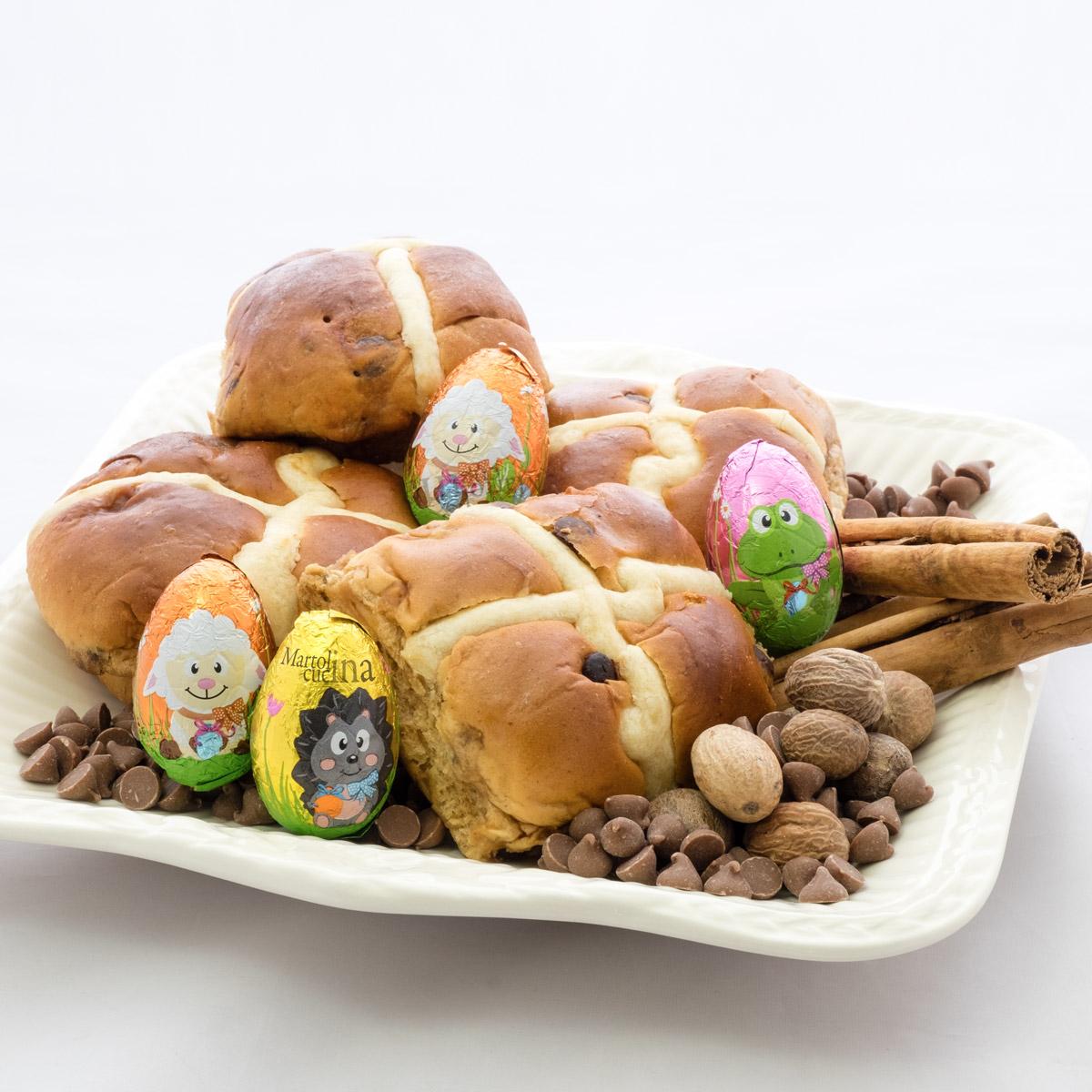 Hot cross buns con cioccolato