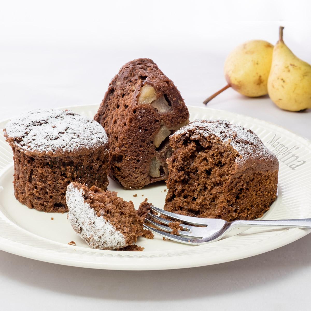 Torta con pere cacao e olio di oliva
