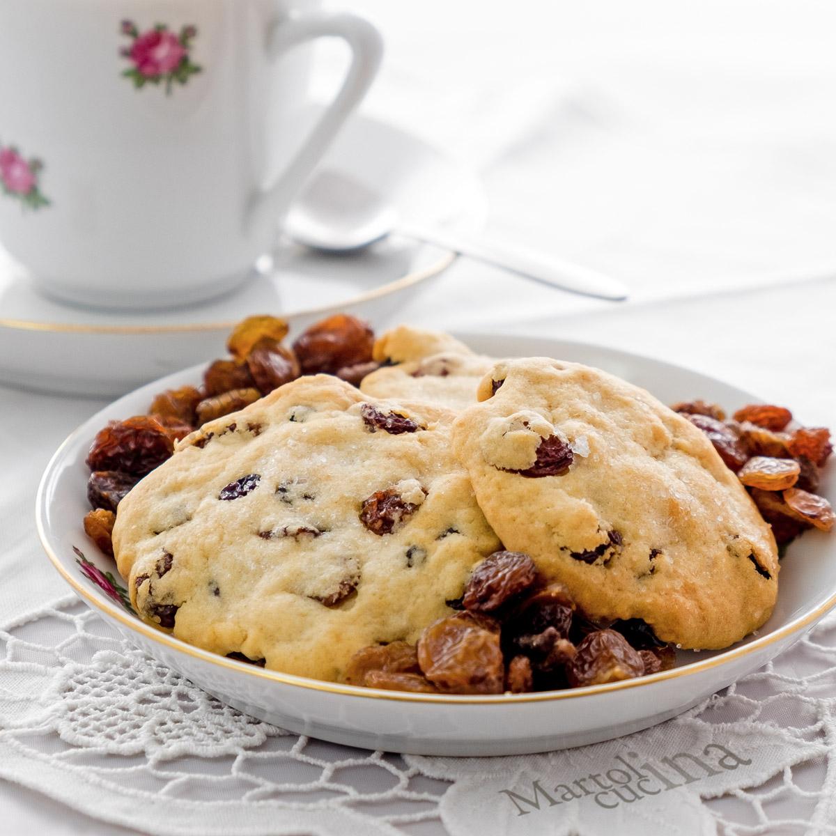 Biscotti con ricotta e uvetta