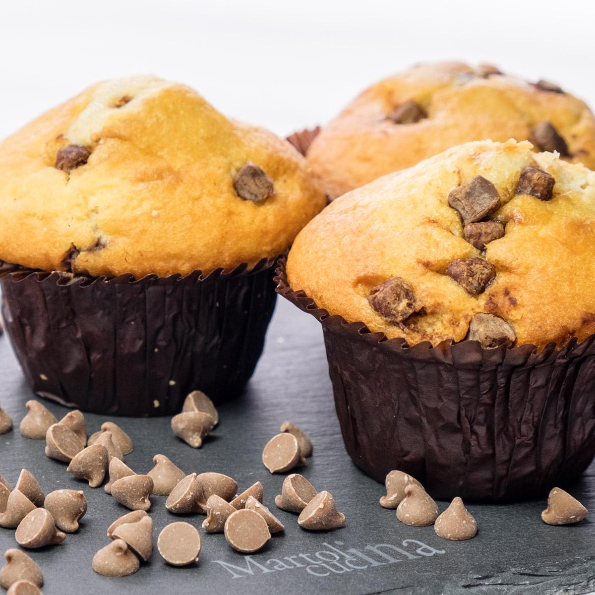 Muffin allo yogurt e gocce di cioccolato fondente
