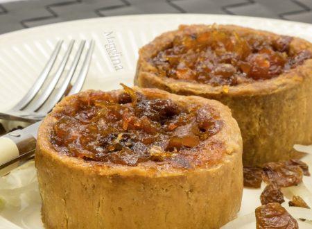 Pie al formaggio e chutney di pomodori, ricetta facile e gustosa