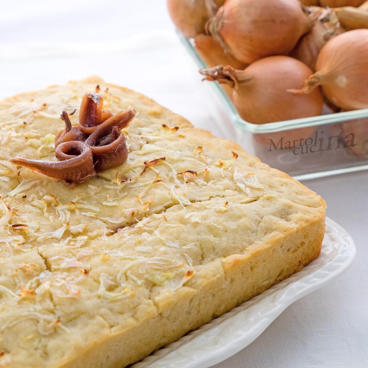 Torta salata 5 minuti cipolle e acciughe