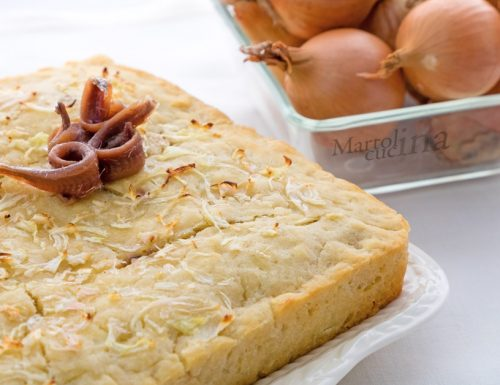 Torta salata 5 minuti cipolle e acciughe, senza burro