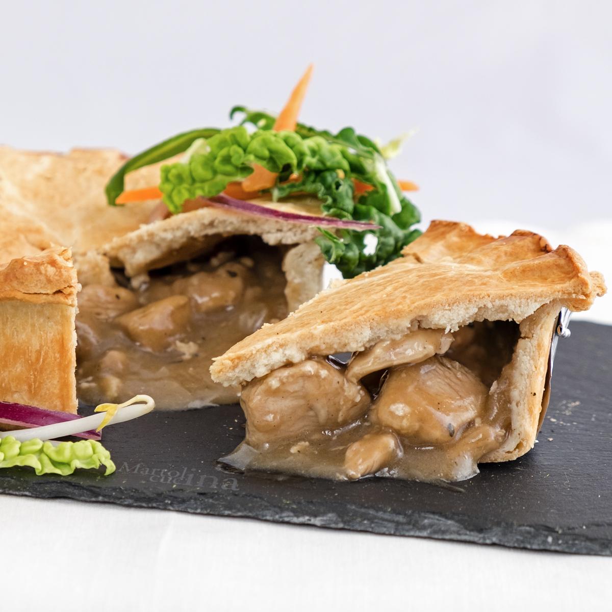 Torta salata con pollo cremoso
