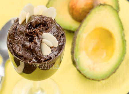 Mousse di avocado e cioccolato, ricetta facile