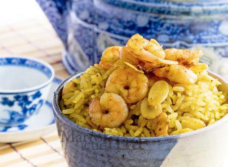 Riso al curry con latte di cocco e gamberetti, primo facile