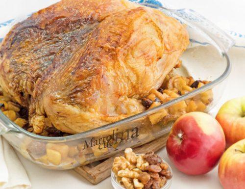 Tacchino ripieno di mele uvetta e noci, ricetta facile