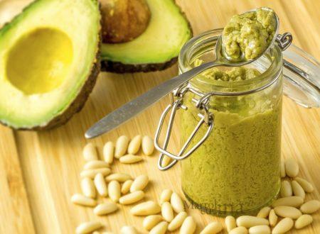 Pesto di avocado, salsa facile e veloce