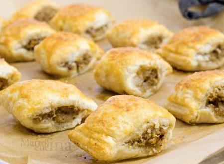 Bocconcini di salsiccia in crosta, ricetta facile e veloce