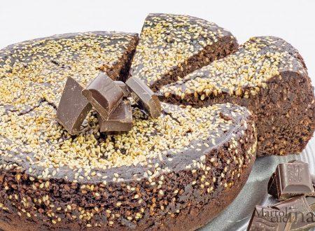 Dolce cioccolato e semi di sesamo, torta facile e golosissima