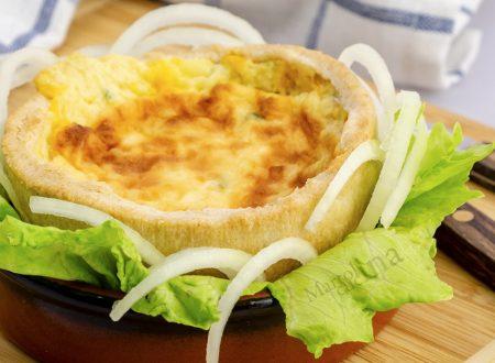 Quiche di cipolle, ricetta facile e golosa