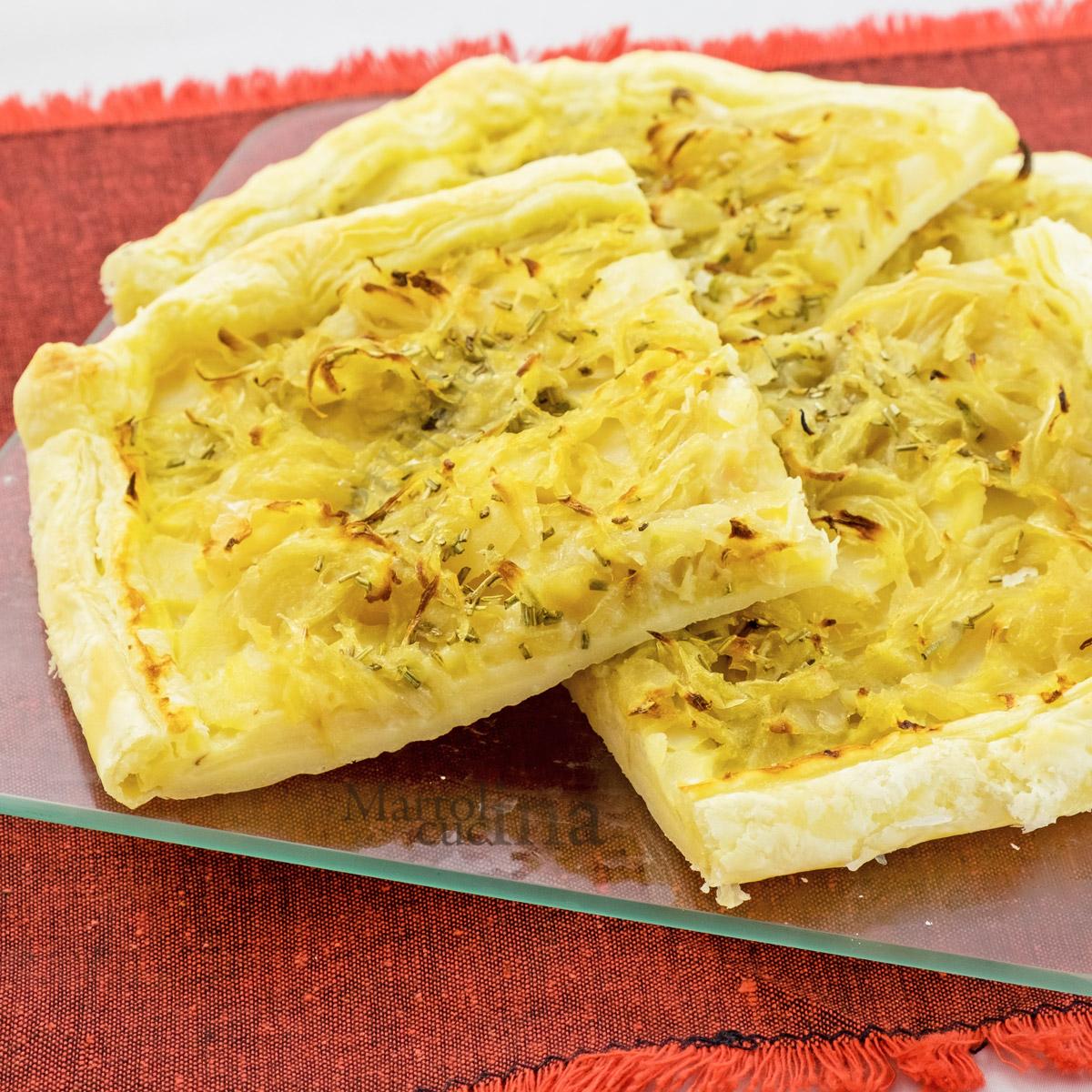 Torta salata con patate e cipolle