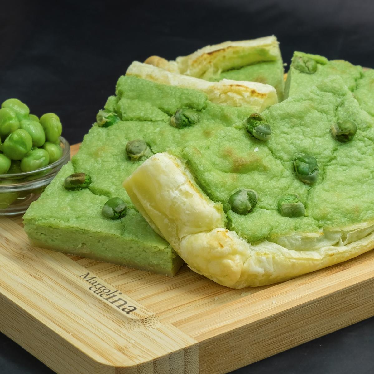 Torta salata con piselli e feta