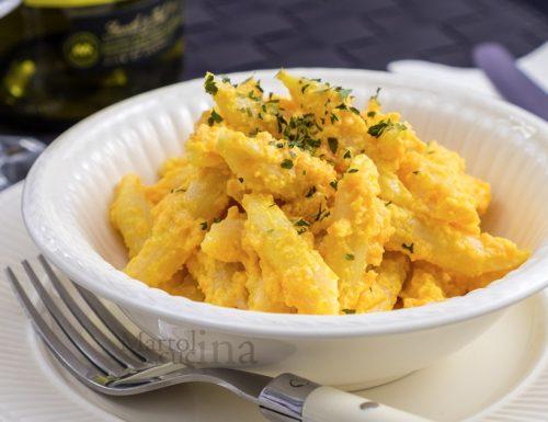 Pasta con crema di carote e curcuma, ricetta facile, primo